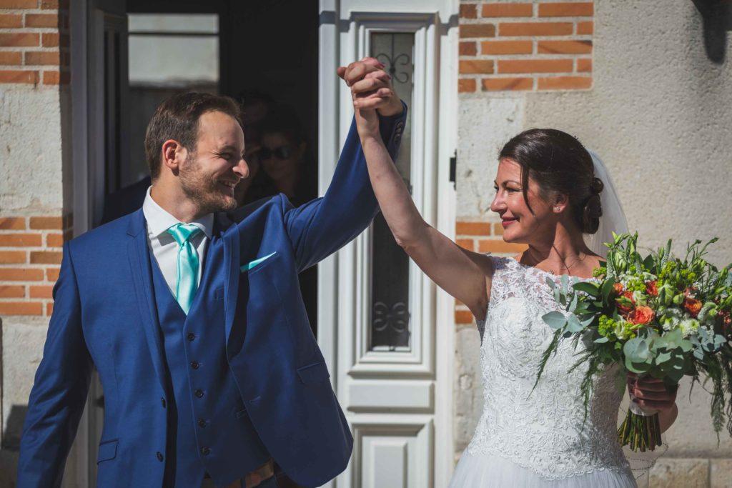Sortie de mairie des mariés